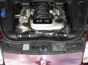 silnik 4ipol v8