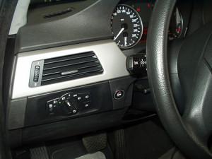 włącznik gazu w BMW 320 i
