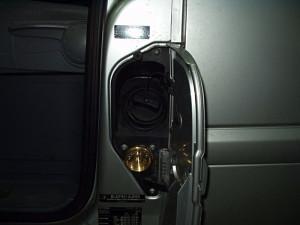 wlew paliwa w Mercedesie Viano po instalacji LPG