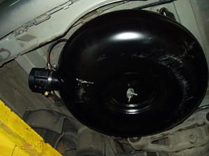 pojemnik z gazem w Mercedesie Viano