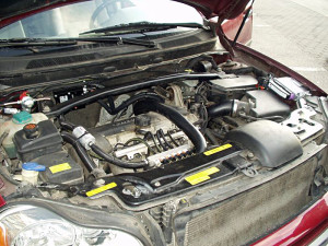 Volvo XC90 - widok na silnik z instalacją gazową
