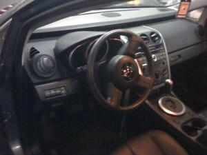 Widok na przełącznik gazu w Mazda cx7