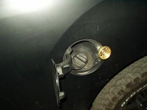 Wlew paliwa w Toyocie Tundra