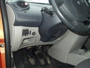 przełącznik gazu Renault Twingo