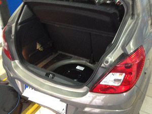 Opel-Corsa-butla-z-gazem