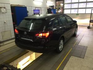 Opel Astra 2016 tył pojazdu