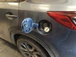 Mazda CX5 wlew paliwa