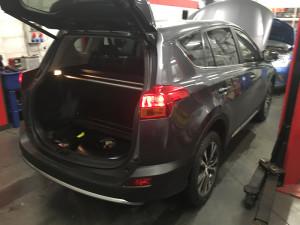 Toyota Rav4 montaż gazu w bagażniku