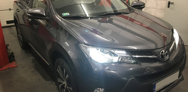 Toyota Rav4 przód