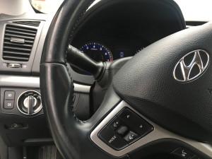Hyundai i40 przełącznik gazu