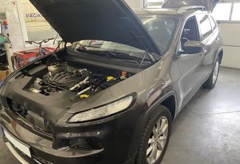 Jeep Cherokee silnik